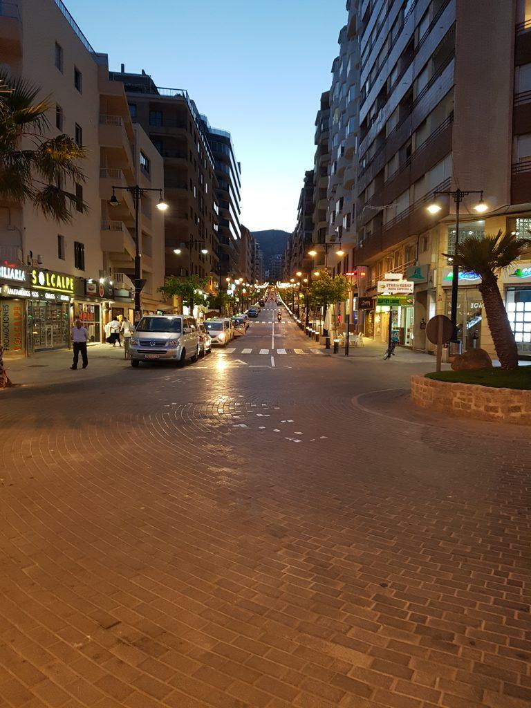 Straatje in centrum van Calpe